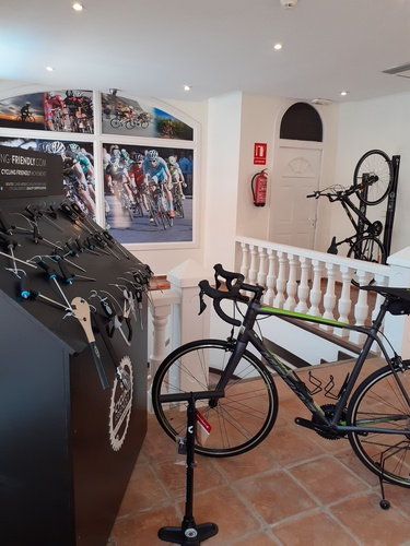 Cycling aparthotel lloyds beach club torrevieja, alicante