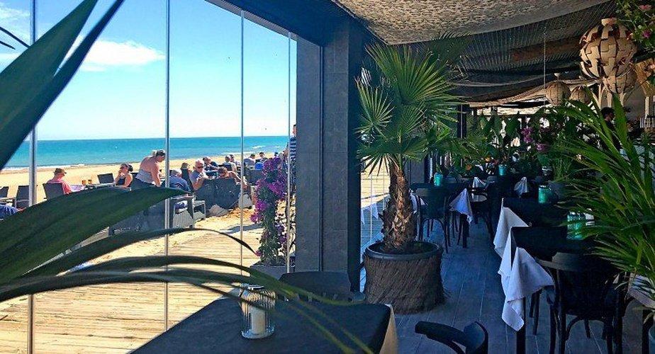 Restaurant lloyds beach club aparthotel torrevieja, alicante