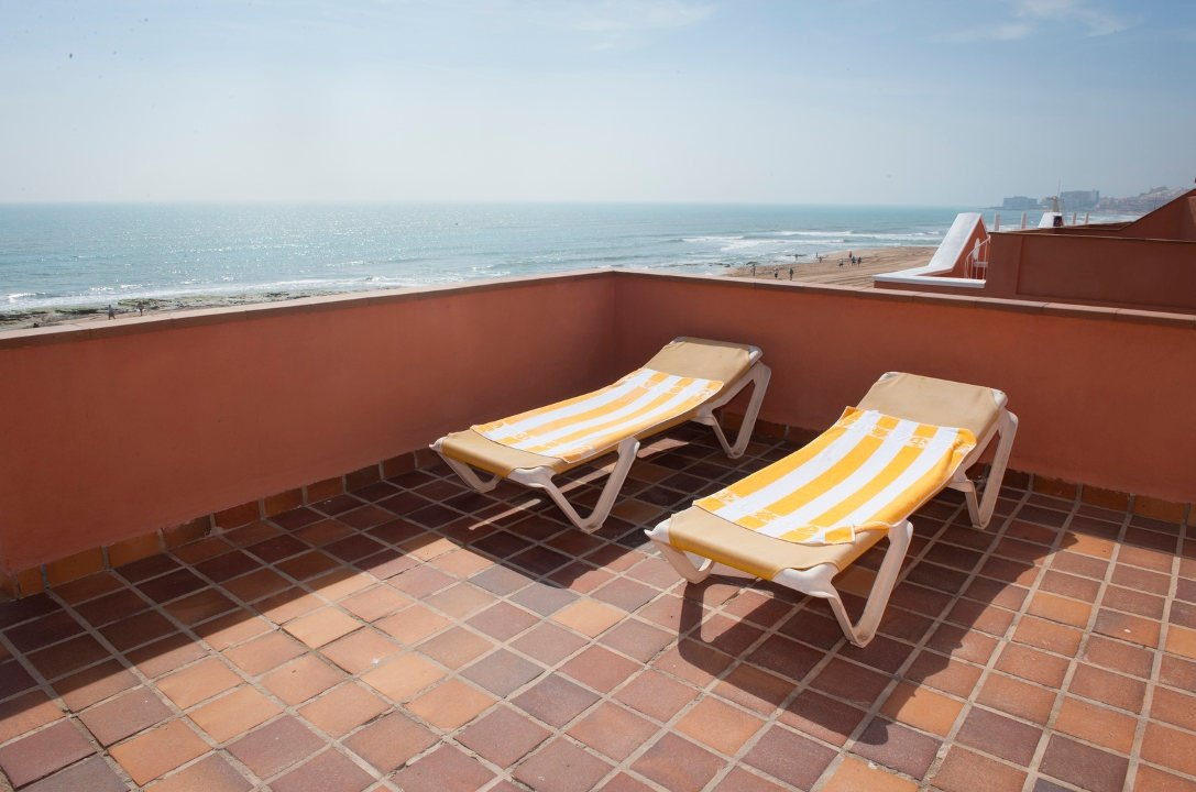Solarium Lloyds Beach Club Torrevieja, Alicante